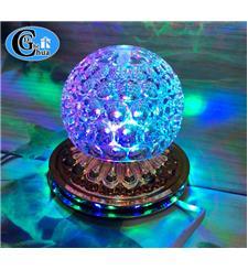 Đèn led quả cầu pha lê 7 màu.