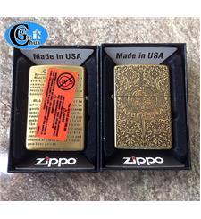Zippo USA có tem đó khắc cổ...